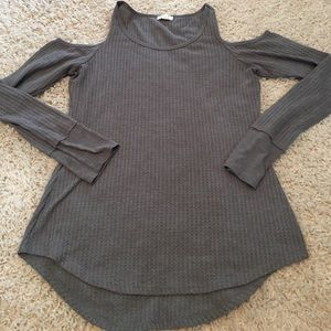 Charming Charlie Gray Cut-Out Shoulder Top